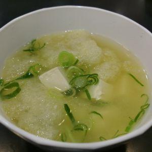 いりこだしで豆腐と 松山あげの味噌汁