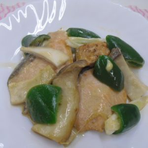 鮭とエリンギの オイスターマヨ炒め