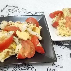 トマトのマヨたま炒め