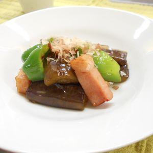 夏野菜とベーコンのポン酢炒め