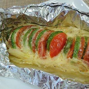 アボガドとトマトのチーズ焼き
