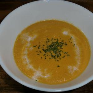 新玉ねぎと人参のスープ