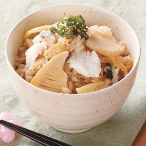 筍と鯛の炊き込みご飯(久原醤油あごだしつゆで)