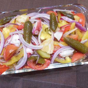 彩り野菜とタコのマリネサラダ