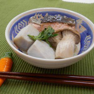 秋鮭とエリンギの煮物