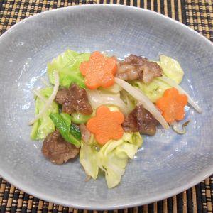 牛肉で野菜炒め