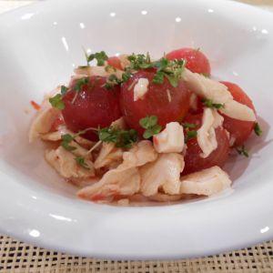 ミニトマトとサラダチキンのキムチマリネ