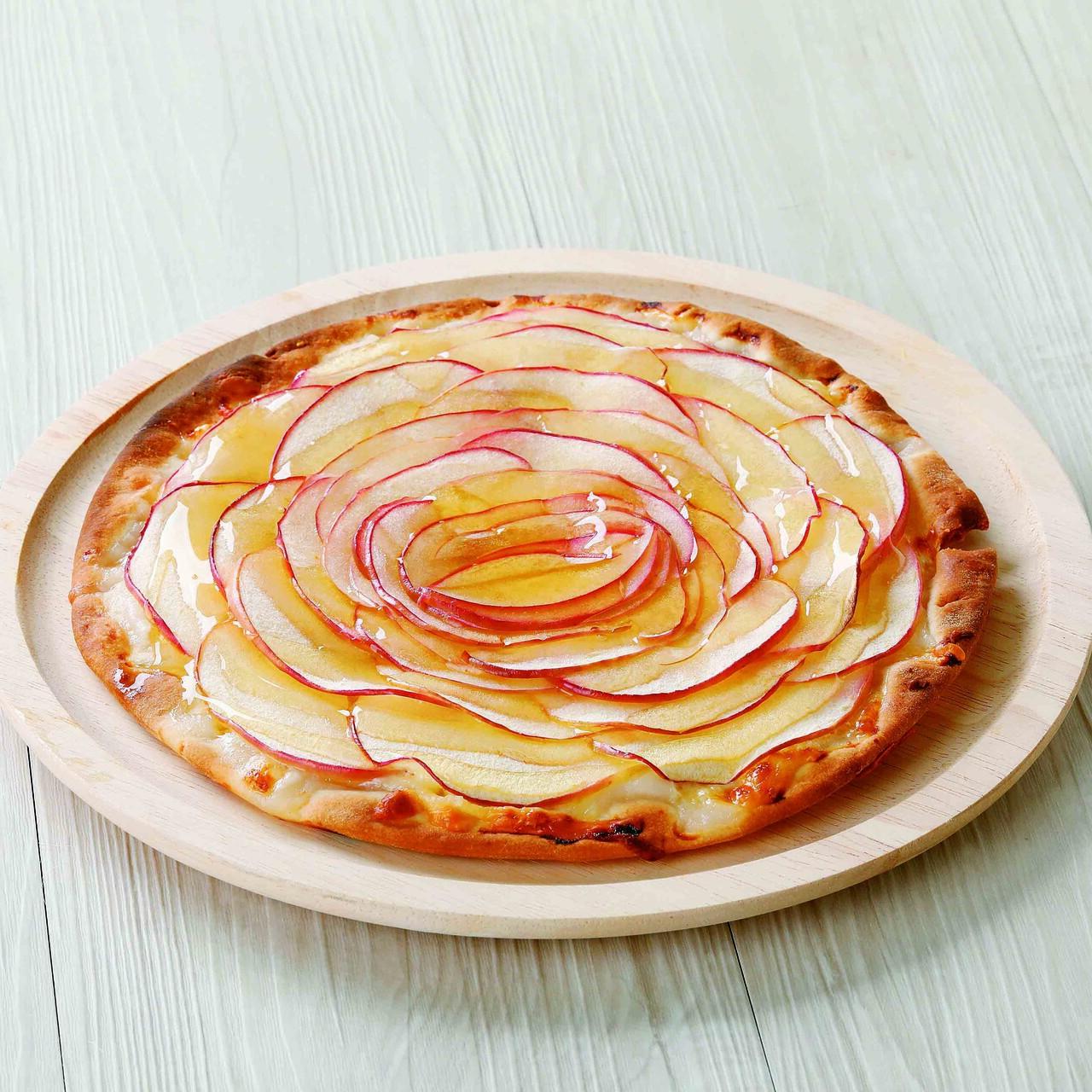 4種のチーズとリンゴのハニーピザ